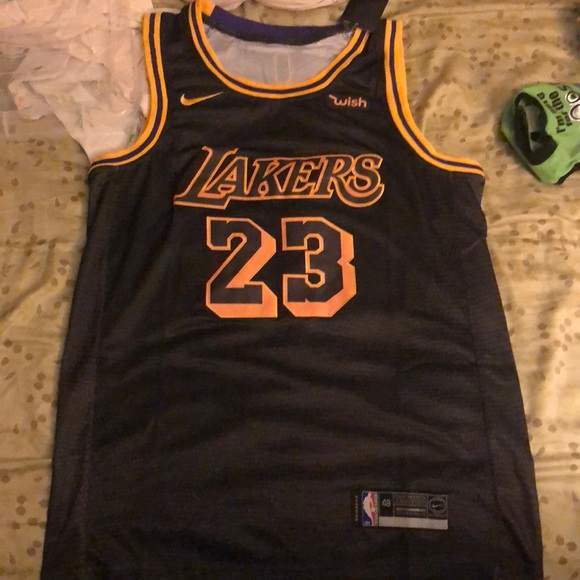 Black lebron James Lakers jersey. City edition 98554a093